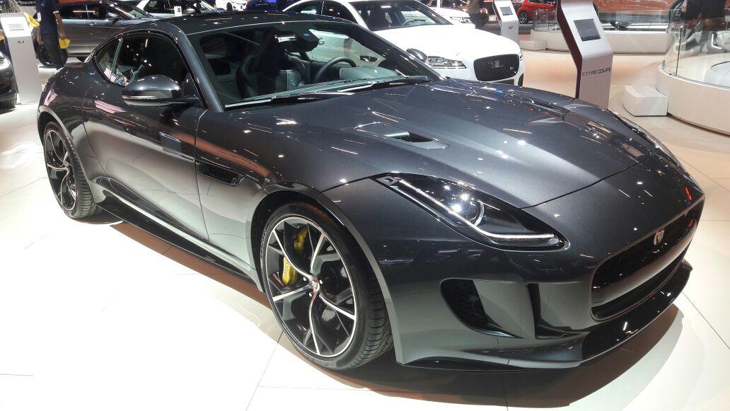 caçador de carros: jaguar f-type r awd marca presença no salão