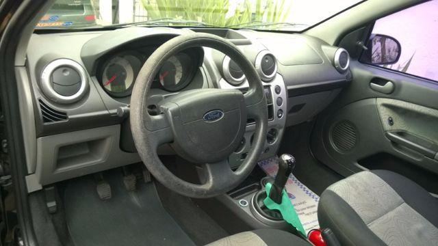 Ford Fiesta Sedan 1.6