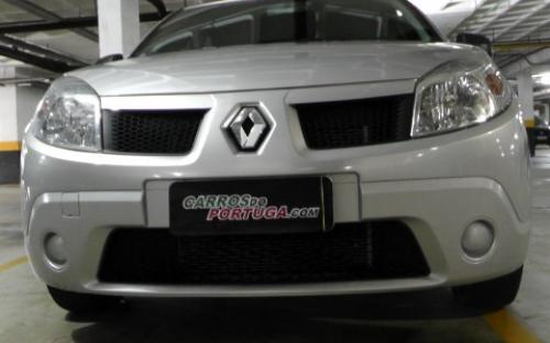Renault Sandero Authentique 2010
